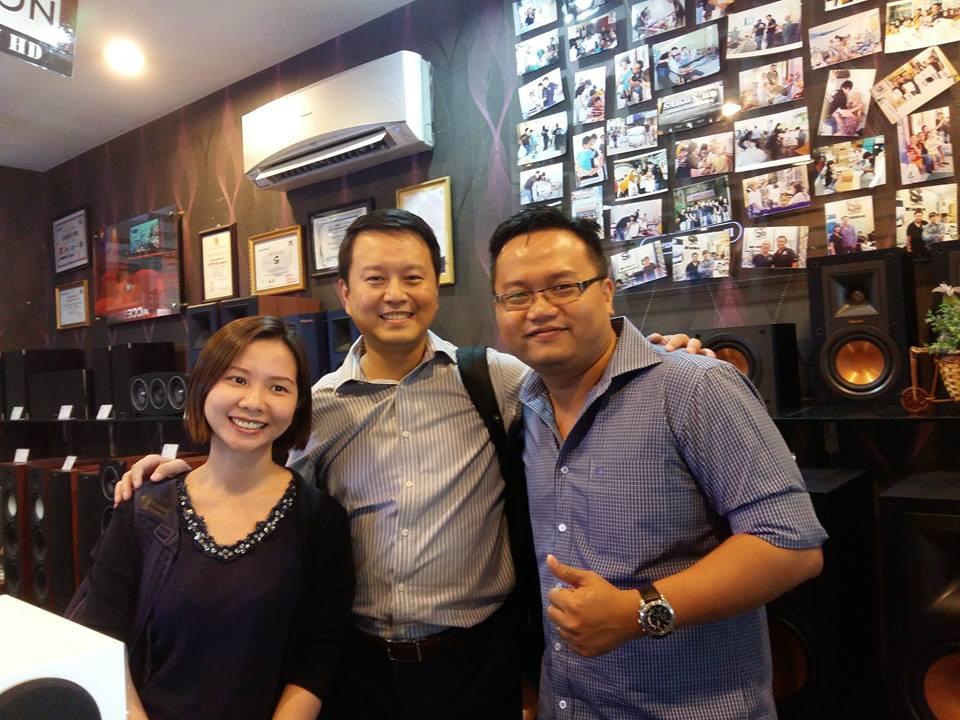 Đón tiếp thân mật Mr Vincent Hsu - GĐ Khu vực Châu Á và Ms Teresa Lu đại diện hãng VIEWSONIC từ Đài Loan qua thăm showroom SAIGON HD