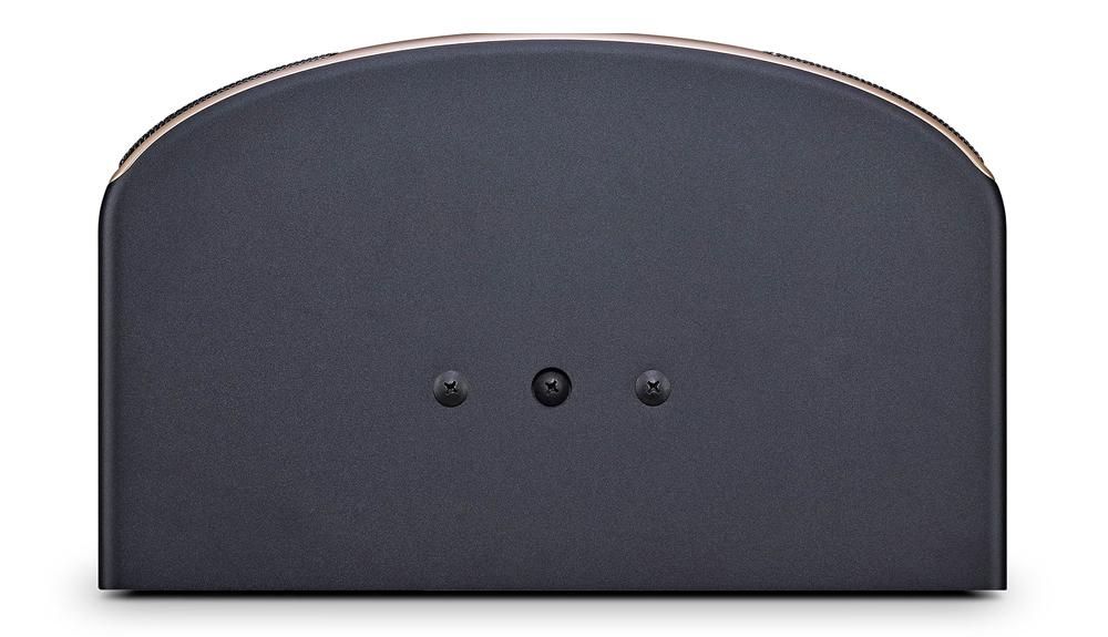 Mặt trên loa JBL Pasion 12 được bố trí các điểm treo