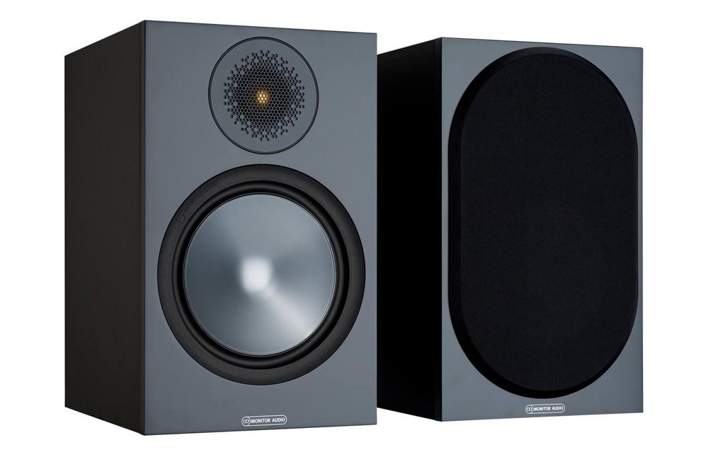 Monitor Audio Bronze 100 có thiết kế tủ đủ lớn cho hiệu suất tái tạo âm trầm chi tiết, sống động