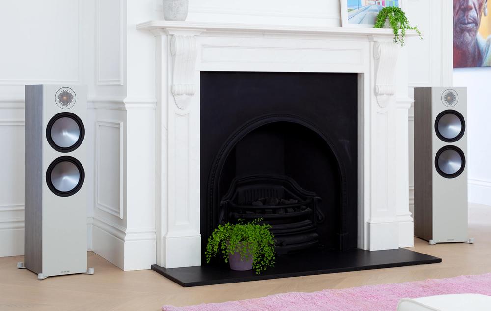 Monitor Audio Bronze 500 tạo thêm sự sang trọng cho không gian nhà bạn